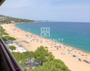 Flat for 700 000 euro in Platja D'Aro, Spain