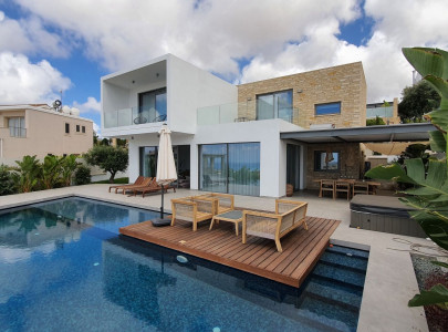 Villa for 550 000 euro in Paphos, Cyprus