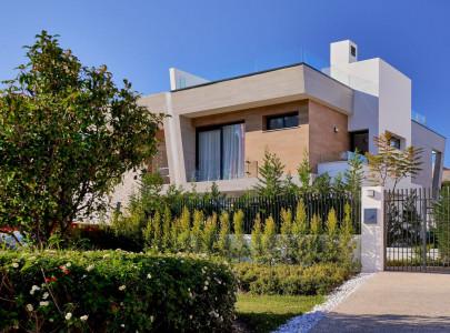 Компании по продаже недвижимость за рубежом купить квартиру в елените болгария