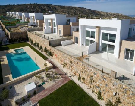 Недвижимость в испании zagranhome сколько стоит сдать в аренду квартиру в оаэ