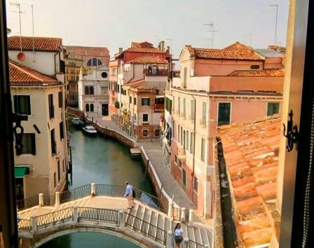 Купить квартиру в венеции италия недвижка в Рас-Аль-Хайма Хор Хваир