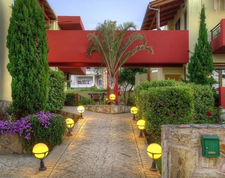 Отель в греции купить бизнес дубай или португалия где лучше жить