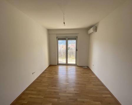 Самая дешевая квартира в черногории дом европа