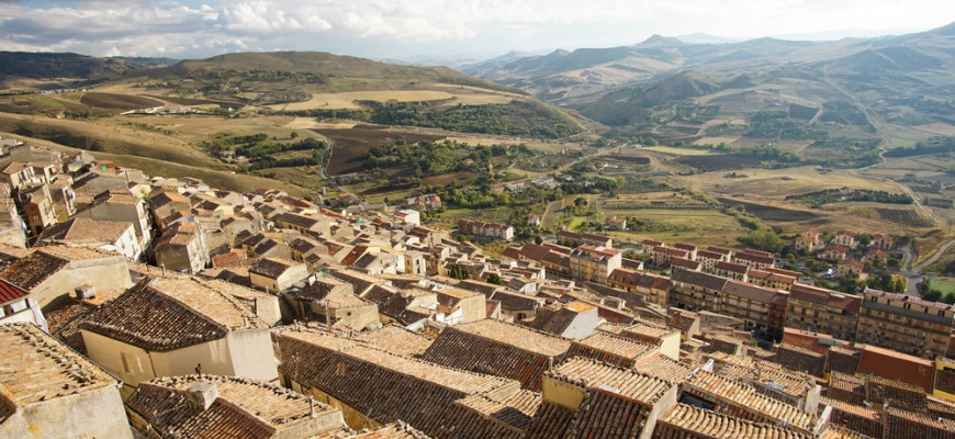 Как россияне покупали дом на Сицилии за 1 евро