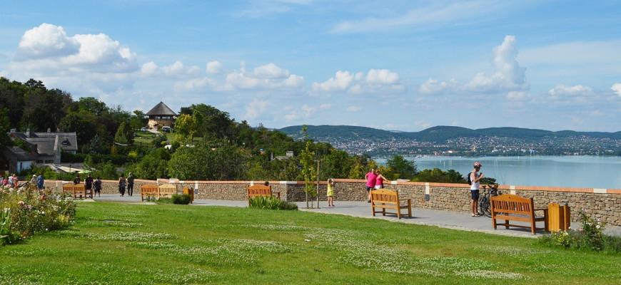 Рост цен на дома у венгерского озера Балатон достигает 50% в год