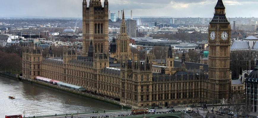 Продажи жилья в Великобритании продолжают падать