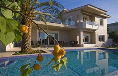 Affittare una villa a Caorle sulla spiaggia con piscina