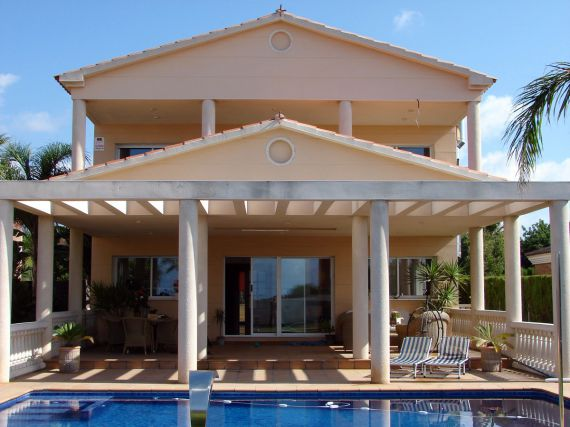 Фирмы по продаже недвижимости испании