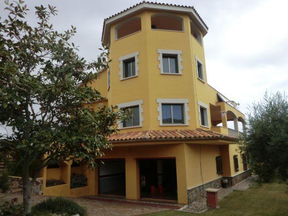 Недвижимость в испании в деревне недорого
