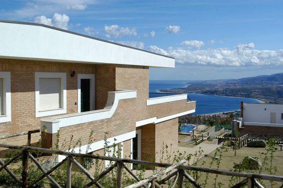 Acquistare beni immobili a Soverato, sulla costa a buon mercato