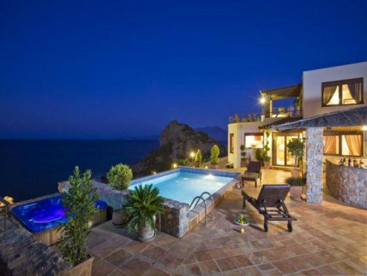 Дома на крите на берегу моря