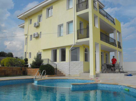 Недвижимость в Костарайнера у моря купить