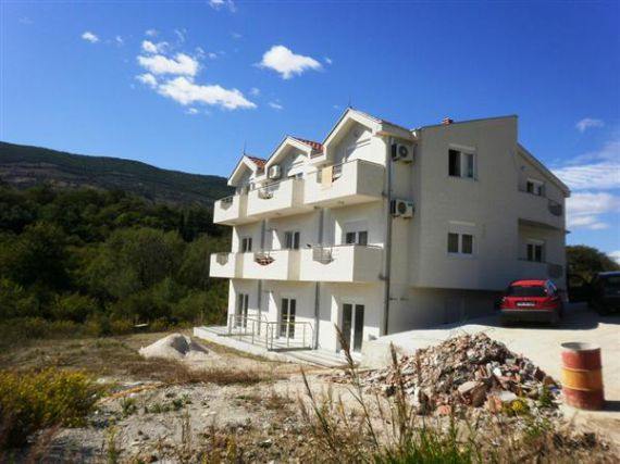 Buy buildings in Corciano cheaply near the sea