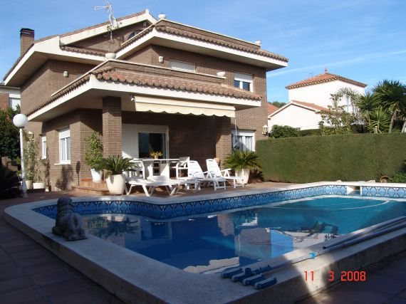 Villa with pool in Solow Catania buy