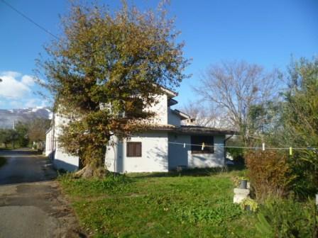 House in Pescara 100,000 euros to buy