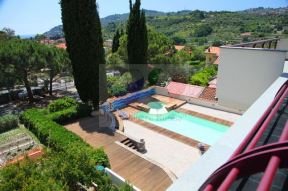 Properties for sale DianoMarina villa