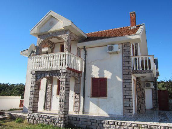 Дом в Кримовице, Черногория, 400 м2 - фото 1
