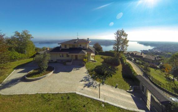 Вилла у озера Маджоре, Италия, 11105 м2 - фото 1