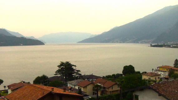 Апартаменты у озера Комо, Италия, 150 м2 - фото 1