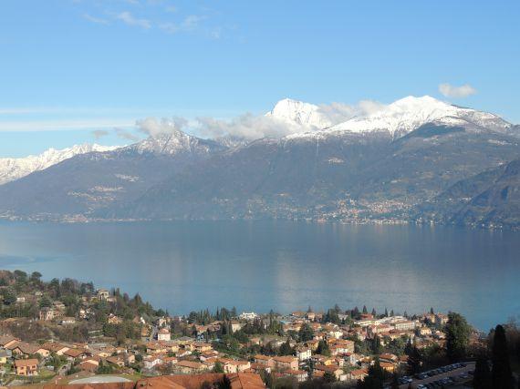 Вилла у озера Комо, Италия, 500 м2 - фото 1