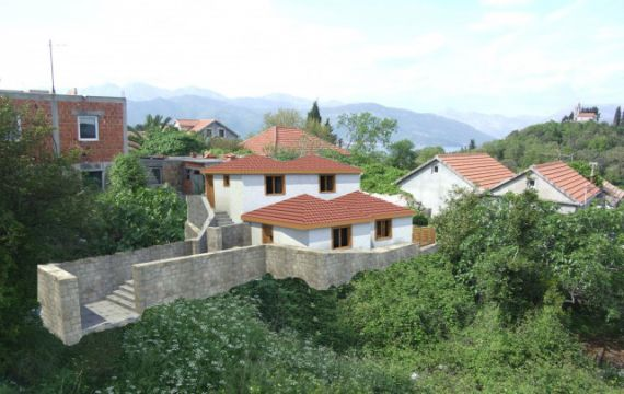 Земля в Радовичах, Черногория, 215 м2 - фото 1