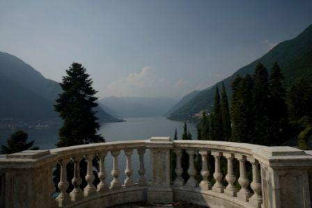 Вилла у озера Комо, Италия, 840 м2 - фото 1