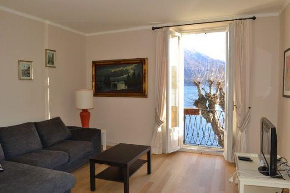 Апартаменты у озера Комо, Италия, 300 м2 - фото 1