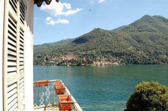 Вилла у озера Комо, Италия, 3000 м2 - фото 1