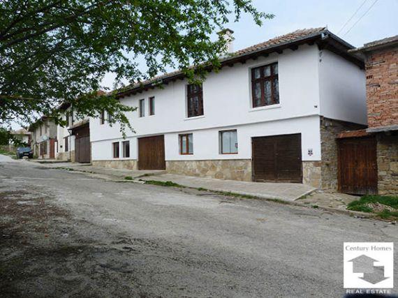 Дом в Габрово, Болгария, 561 м2 - фото 1