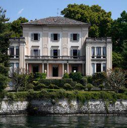 Вилла у озера Маджоре, Италия, 1100 м2 - фото 1