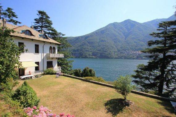 Вилла у озера Комо, Италия, 1120 м2 - фото 1