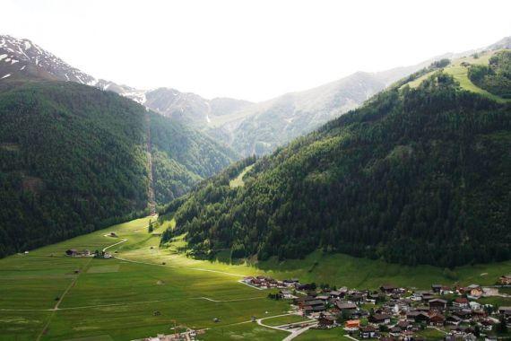 Земля в Тироле, Австрия, 465 м2 - фото 1