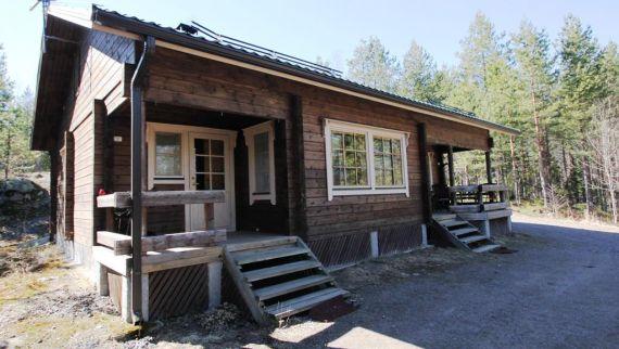 Коттедж в Миккели, Финляндия, 9000 м2 - фото 1