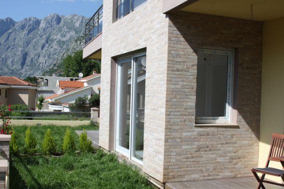 Квартира в Доброте, Черногория, 108 м2 - фото 12