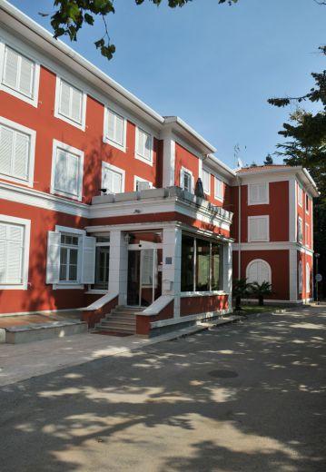 Отель, гостиница в Умаге, Хорватия, 1000 м2 - фото 1