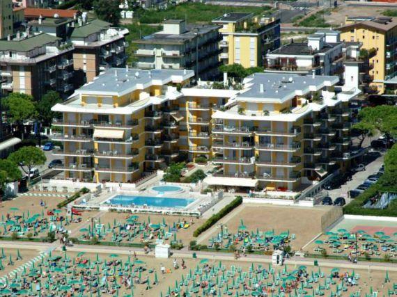 Апартаменты в Лидо ди Езоло, Италия, 90 м2 - фото 1