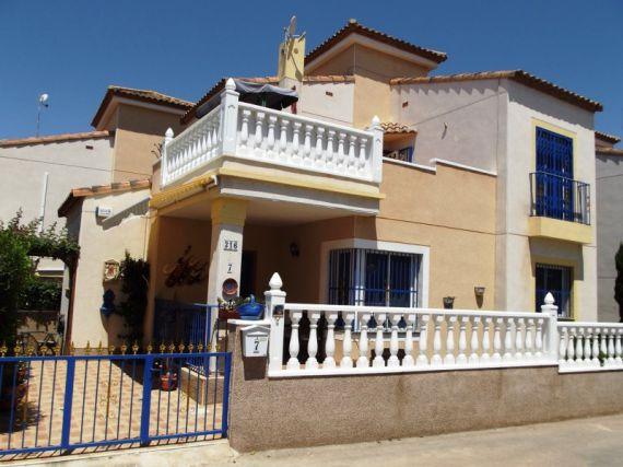 Вилла в Сьюдад-Кесада, Испания, 150 м2 - фото 1