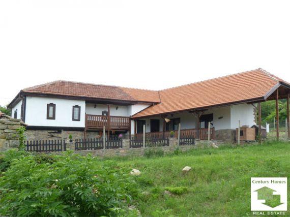 Дом в Велико Тырново, Болгария, 3150 м2 - фото 1