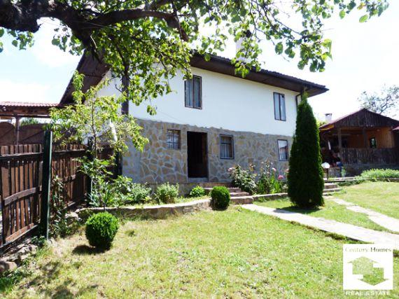 Дом в Велико Тырново, Болгария, 220 м2 - фото 1