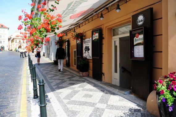 Кафе, ресторан в Праге, Чехия, 425 м2 - фото 1