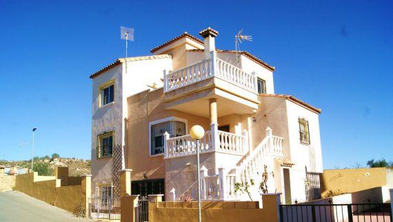 Дом в Сан-Мигель де Салинас, Испания, 180 м2 - фото 1