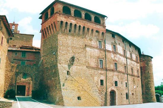 Замок в Умбрии, Италия, 1380 м2 - фото 9