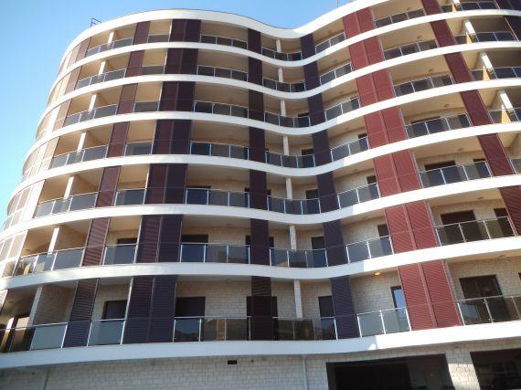 Апартаменты в Бечичи, Черногория, 57 м2 - фото 1