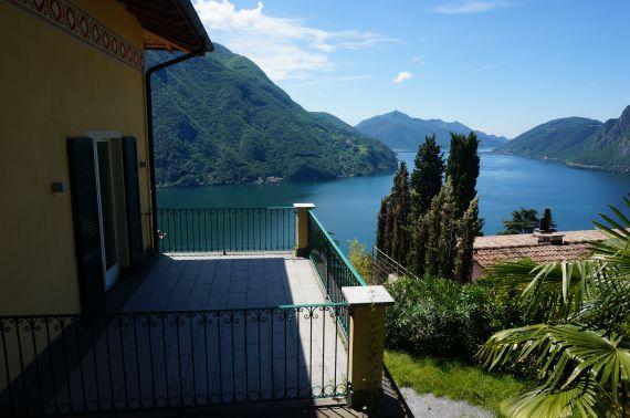 Вилла в Лугано, Швейцария, 980 м2 - фото 1