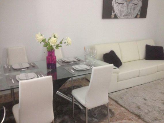 Ла зения испания найти мебельный магазин