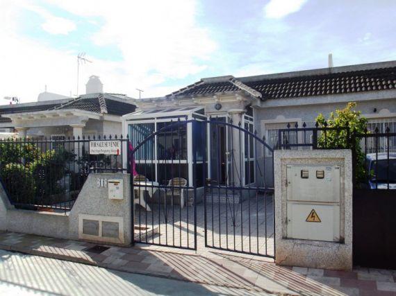 Бунгало в Торревьехе, Испания, 76 м2 - фото 1