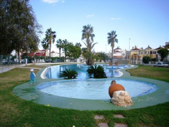 Бунгало в Торревьехе, Испания, 67 м2 - фото 1