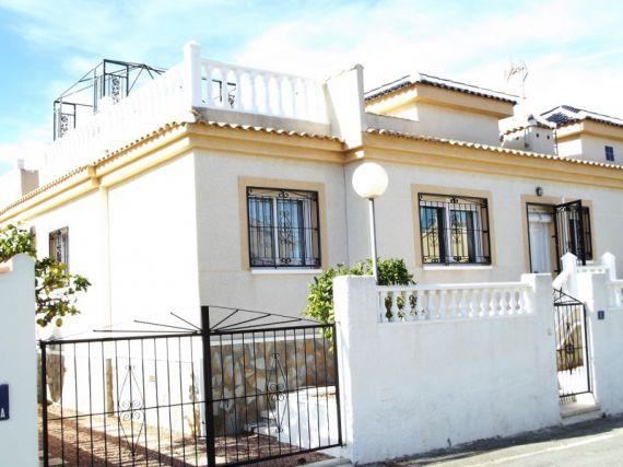 Вилла в Гуардамар-дель-Сегура, Испания, 200 м2 - фото 1