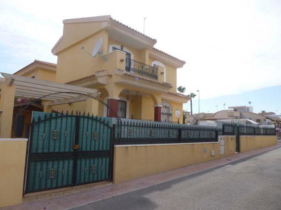 Дом в Торревьехе, Испания, 400 м2 - фото 1