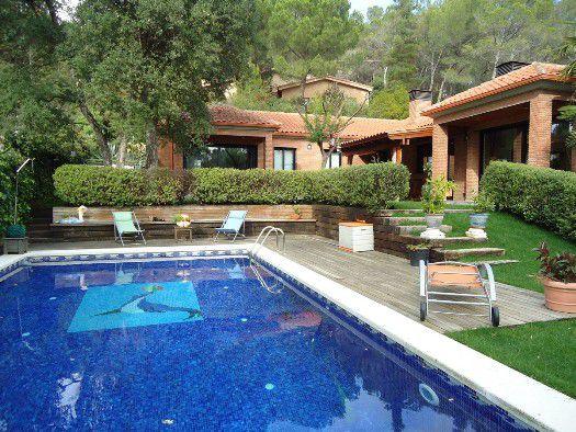 Дом в Барселоне, Испания, 355 м2 - фото 1